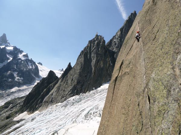 Sadie on the awesome diagonal crack on Guy Anne L'Insolite. Photo by Adam Brown.