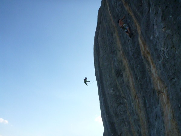 Harriet taking a monster wanger from Blocage Violent 7b+